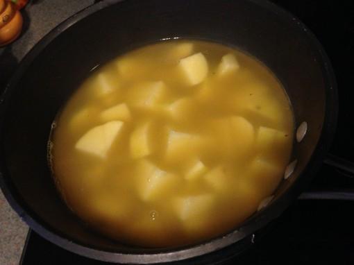 3-boil-potatoes