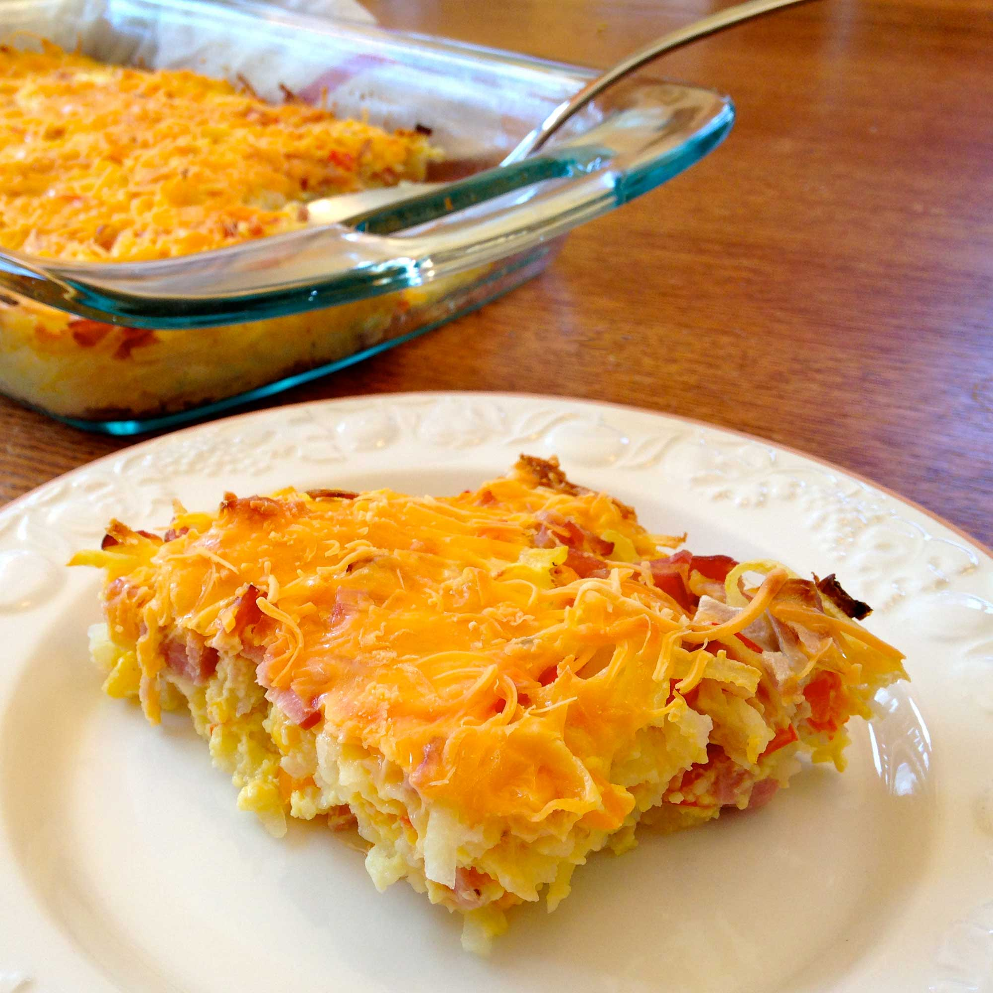 Healthy Egg, Cheese, & Hash Brown Casserole that's 100% Simply Filling on Weight Watchers | JenuineMom.com