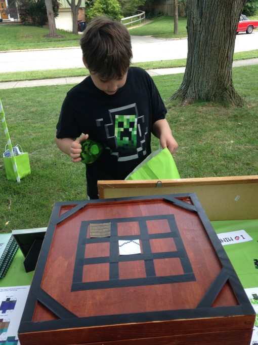 An Epic Minecraft Birthday Party With Games And Printables - Minecraft creeper spiele