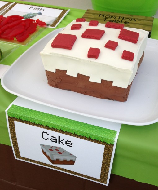 pixel minecraft cake in game
