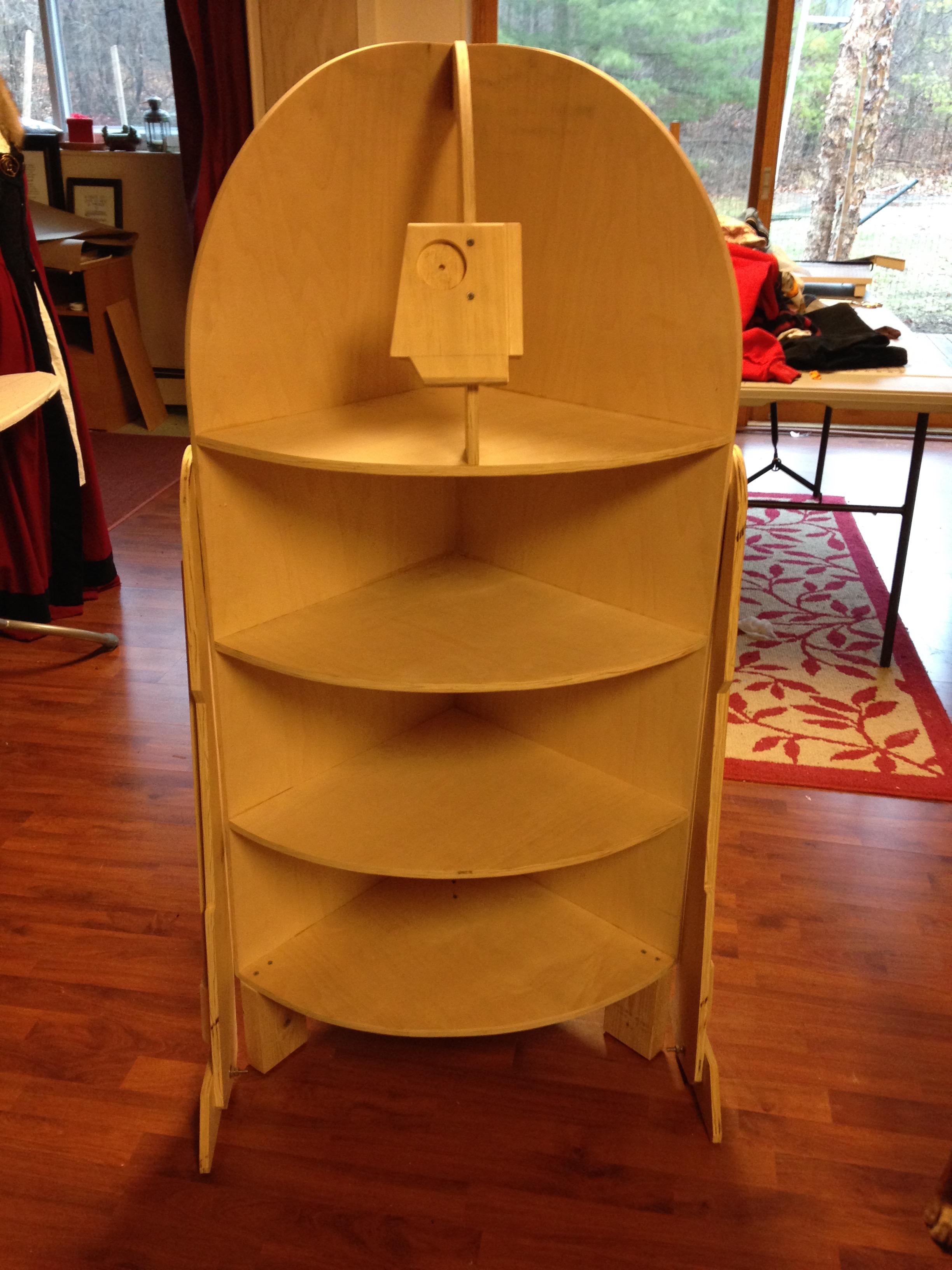 How to make a Star Wars R2-D2 corner shelf from a sheet of plywood. | JenuineMom.com