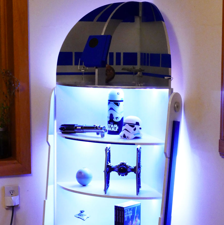 DIY Home Decor: How to make your own R2-D2 shelf! | #diy #homedecor #starwars