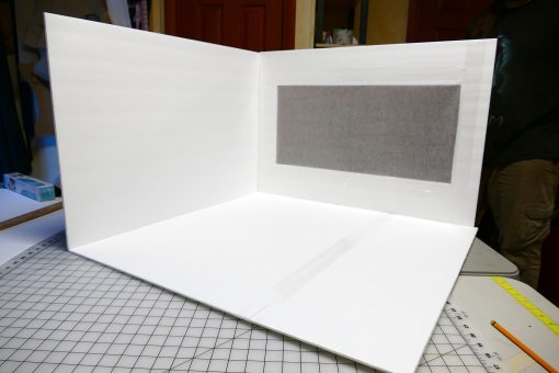 DIY Light Box for Gorgeous Photos | JenuneMom.com