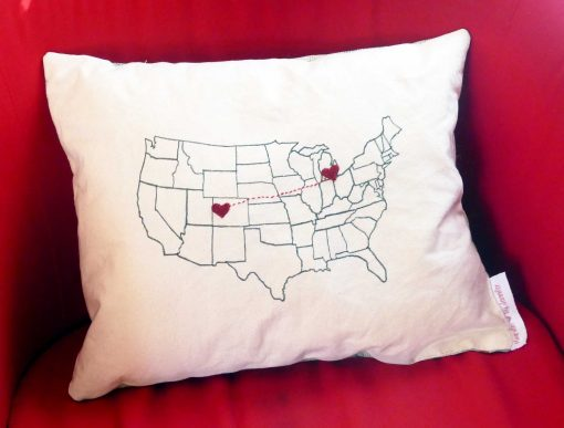 DIY Map Pillow | State to State Hearts | JenuineMom.com