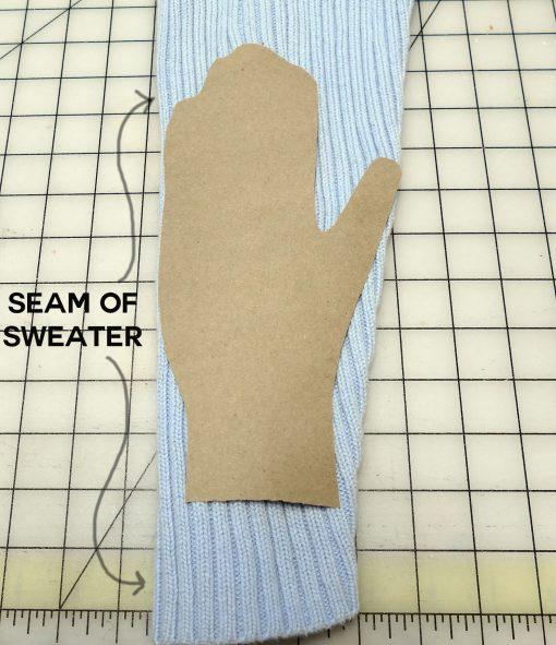 DIY Sweater Gloves and Mittens | JenuineMom.com