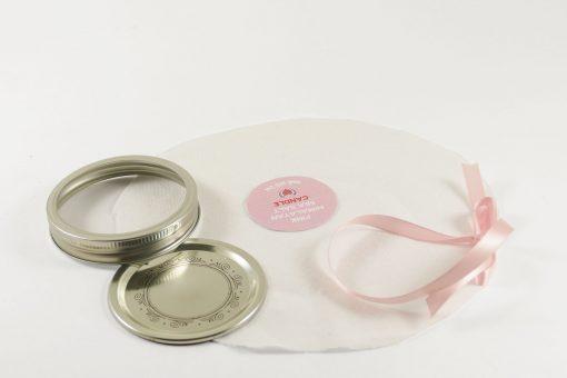 DIY Mason Jar lid decoration | JenuineMom.com