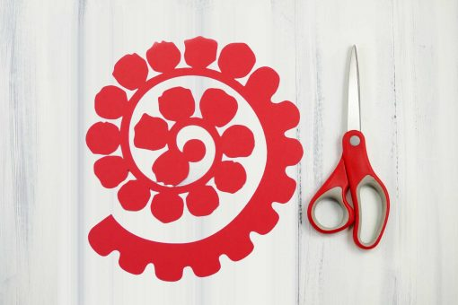 Cut out the paper rose spiral from cardstock