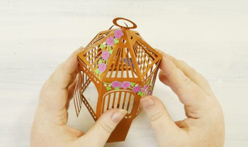 Shape your pop-up birdcage