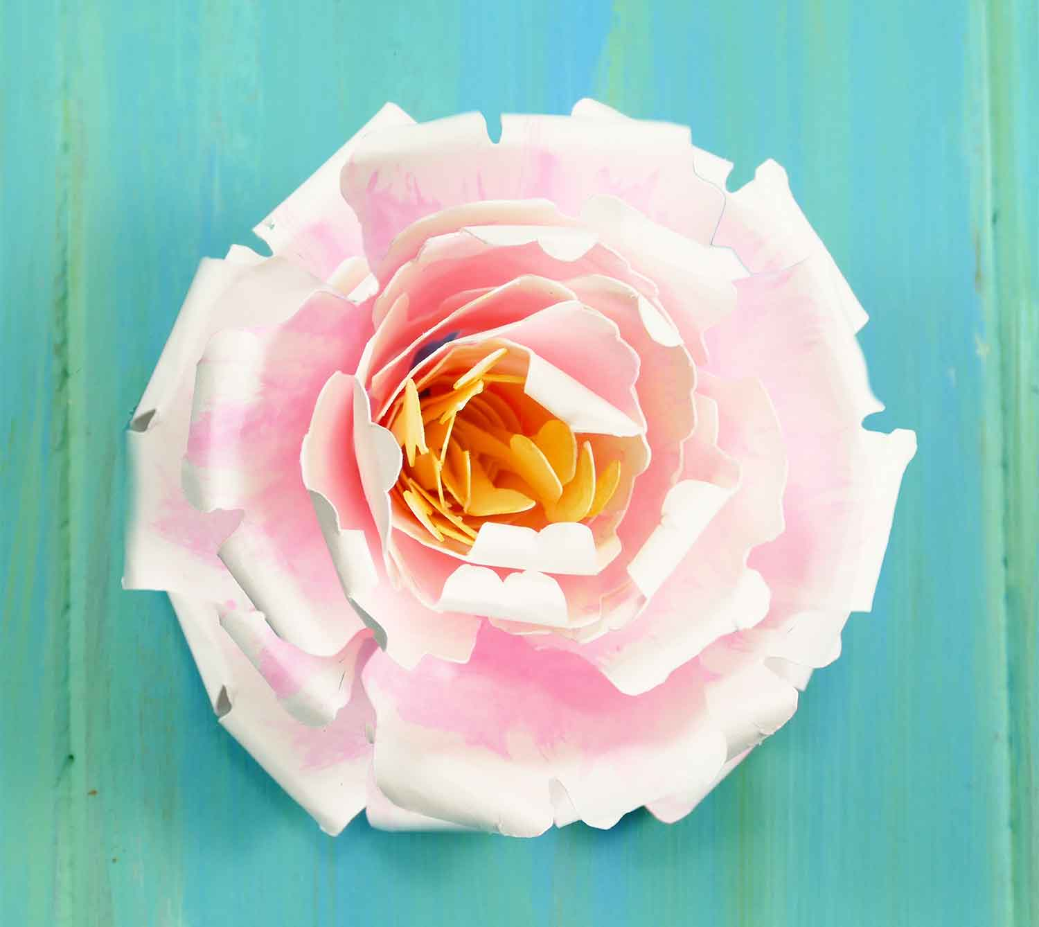 Rolled Paper Peony -- Easy Cricut Project