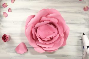 Place your petals on your base of the giant rose