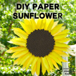 Mesmerizing! Make this paper sunflower with the fibonacci spiral! Free SVG files.