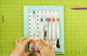 Arrange your tools and pegs on the board