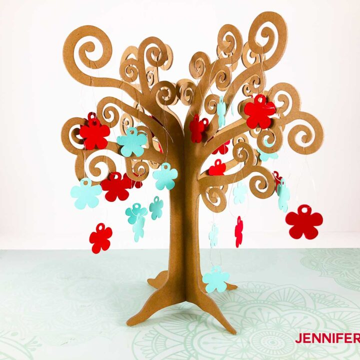 my finished 3D tree with ornaments