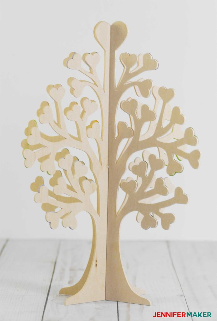 Undecorated bare basswood 3D family tree