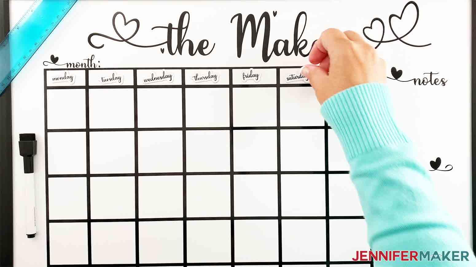 DIY-Whiteboard-Calendar-JenniferMaker-place-days-of-the-week-magnets