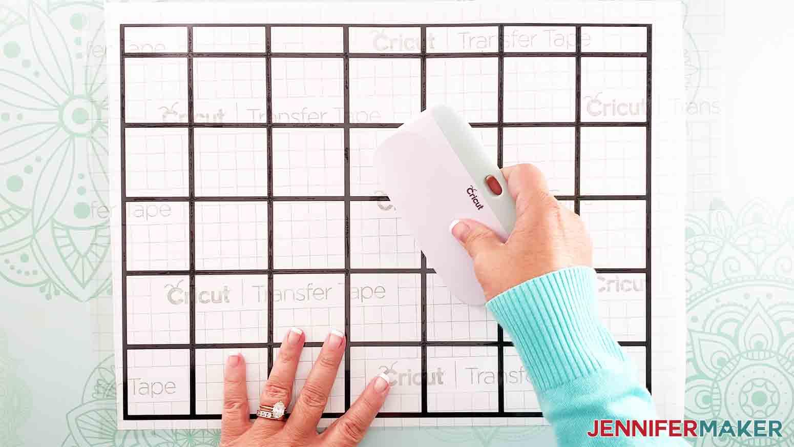 DIY-Whiteboard-Calendar-JenniferMaker-smooth-transfer-tape-with-scraper