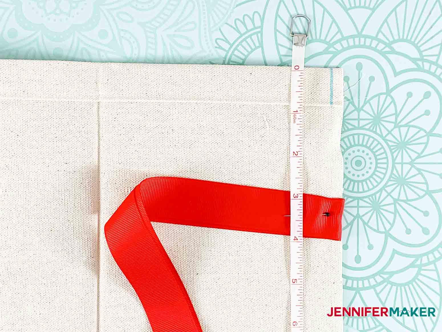 Festive-Holiday-Wine-Totes-JenniferMaker-add-ribbon