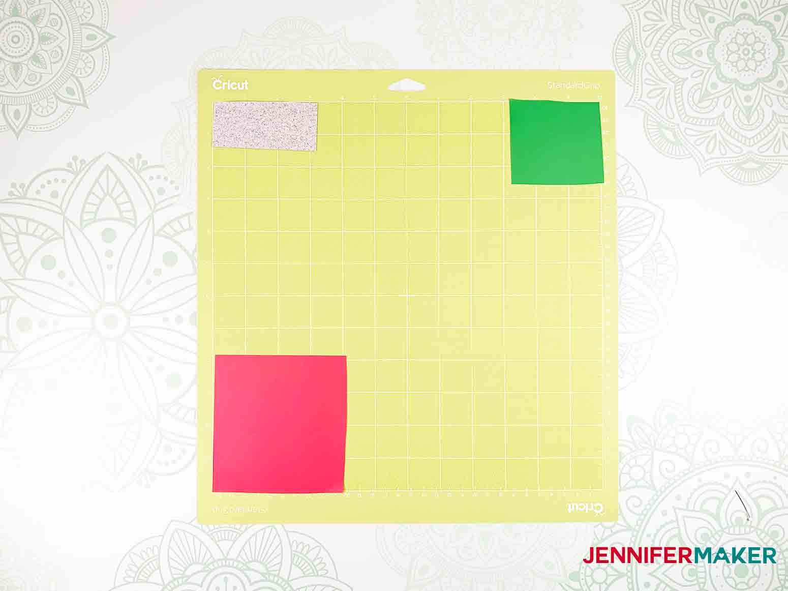 Festive-Holiday-Wine-Totes-JenniferMaker-different-color-vinyl-on-one-mat