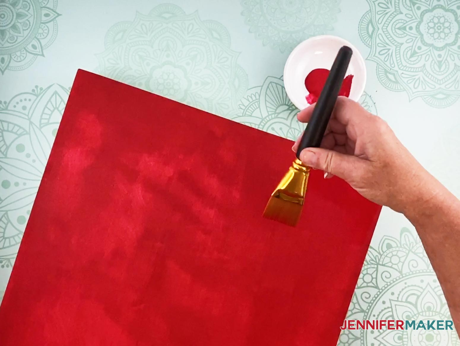 Use effortless paint strokes when painting the sign for my Christmas countdown sign