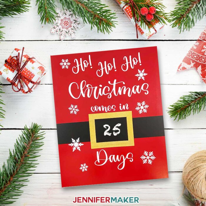 Painted Christmas Day Countdown Sign with chalkboard vinyl so you can write each day on it!