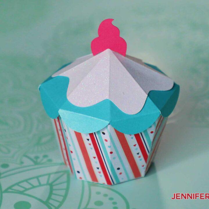 cupcake box by jennifermaker