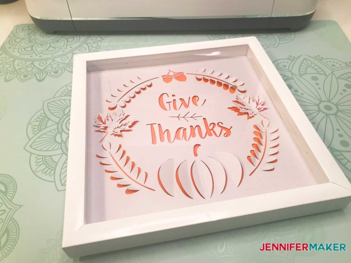 Easy Dimensional Paper Art Made on the Cricut - Give Thanks!   #thanksgiving #papercraft #cricut