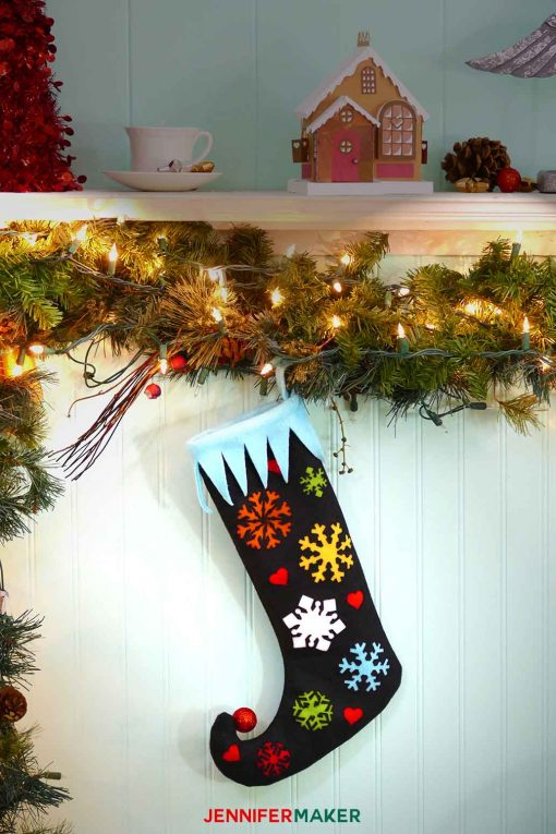 Make and hang this DIY elf stocking on your mantle | easy cute free sewing pattern | #cricut #christmasdecor