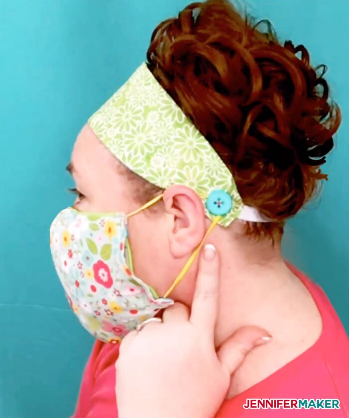 DIY Headbands with Buttons for face masks in green cotton with a pink button