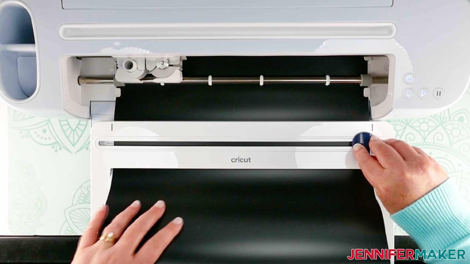 DIY Porch Signs Cricut Roll Holder cutting vinyl
