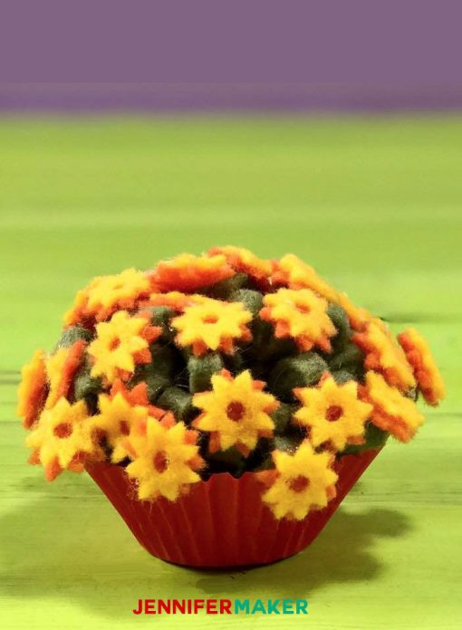 Felt Flowers: Mums with Blossoms