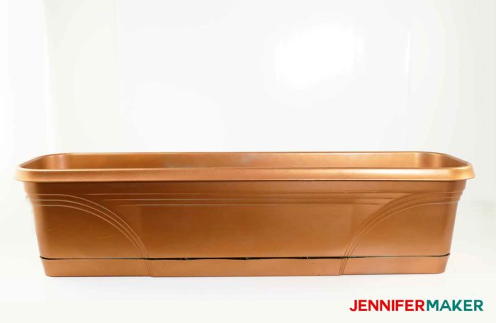 How to spray paint plastic planters with copper metallic paint