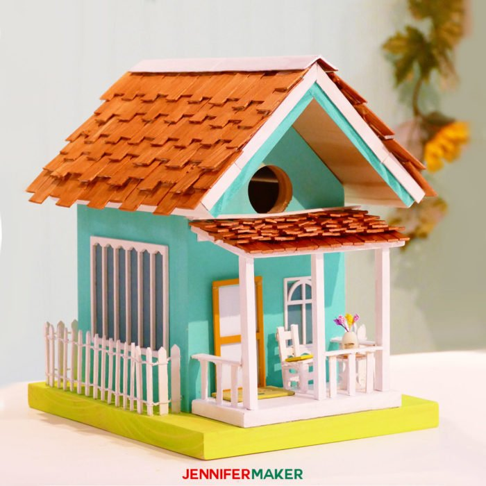 Make a painted birdhouse cottage with our free birdhouse plans! | diy birdhouse