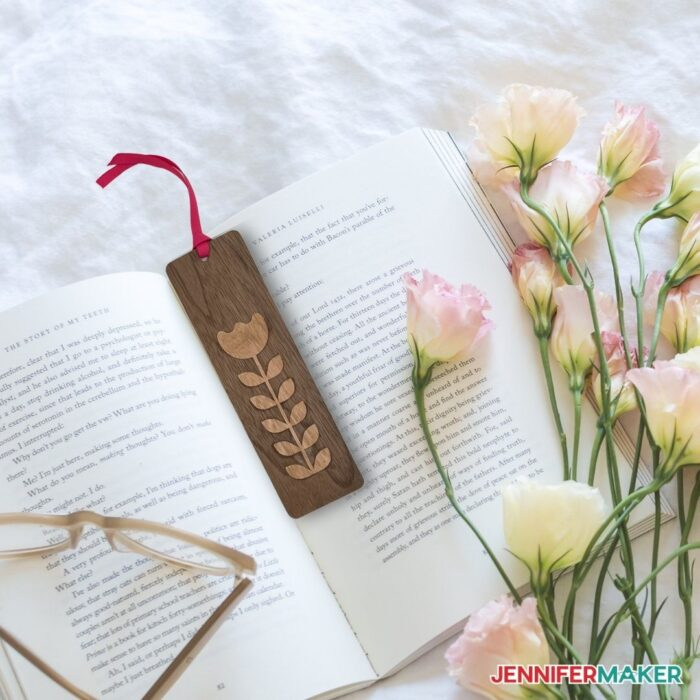 Pretty wooden bookmark with a flower made with wood veneer on a Cricut cutting machine