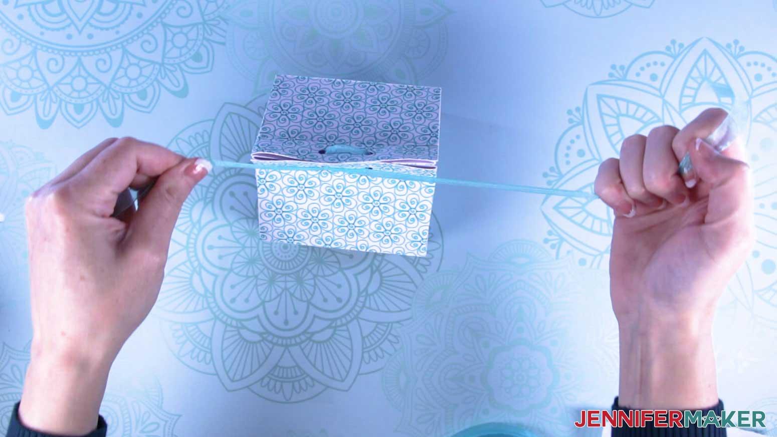 Tie ribbon to close the milk carton mug gift boxes