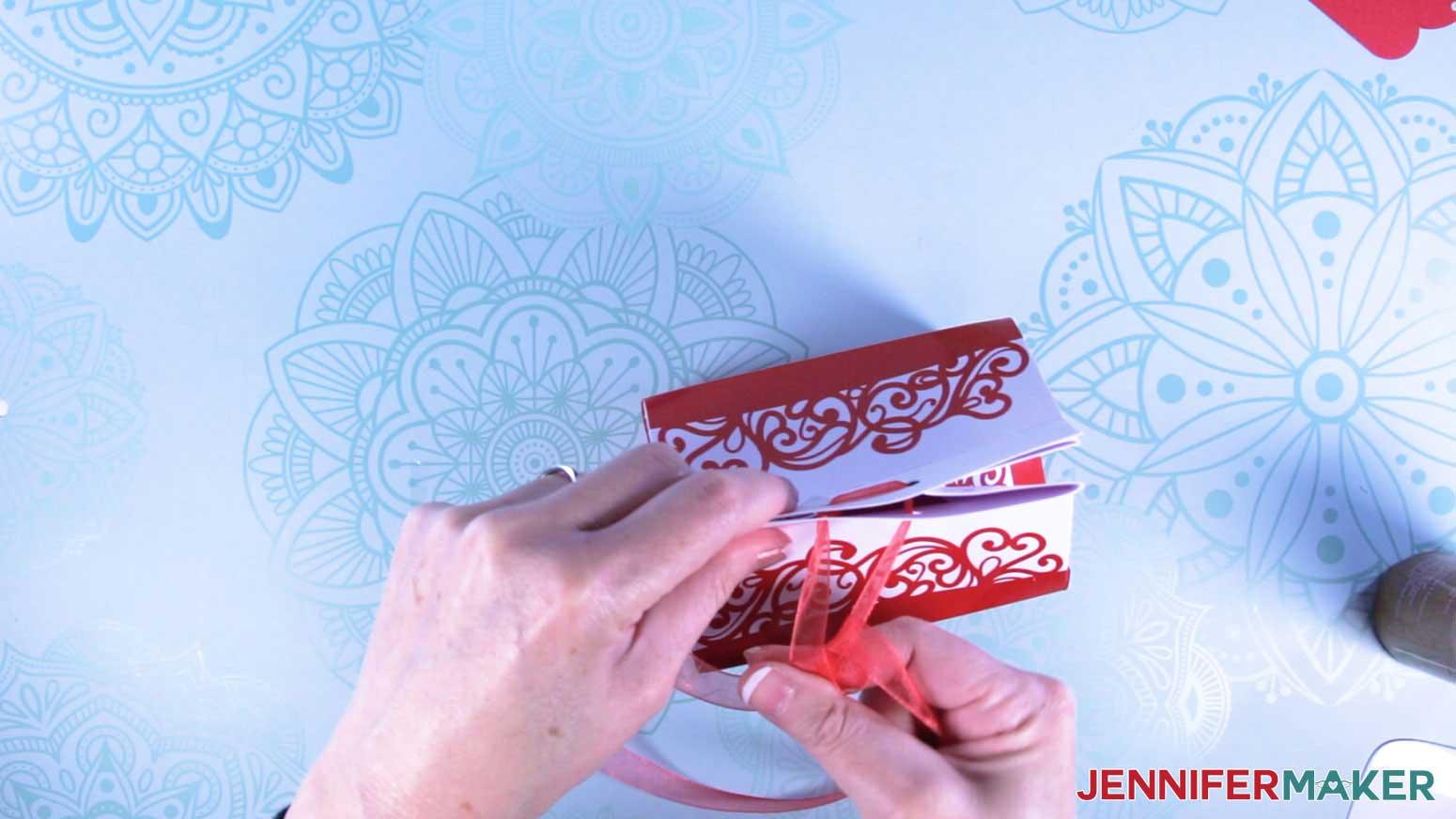 Tie ribbon to close milk carton mug gift boxes