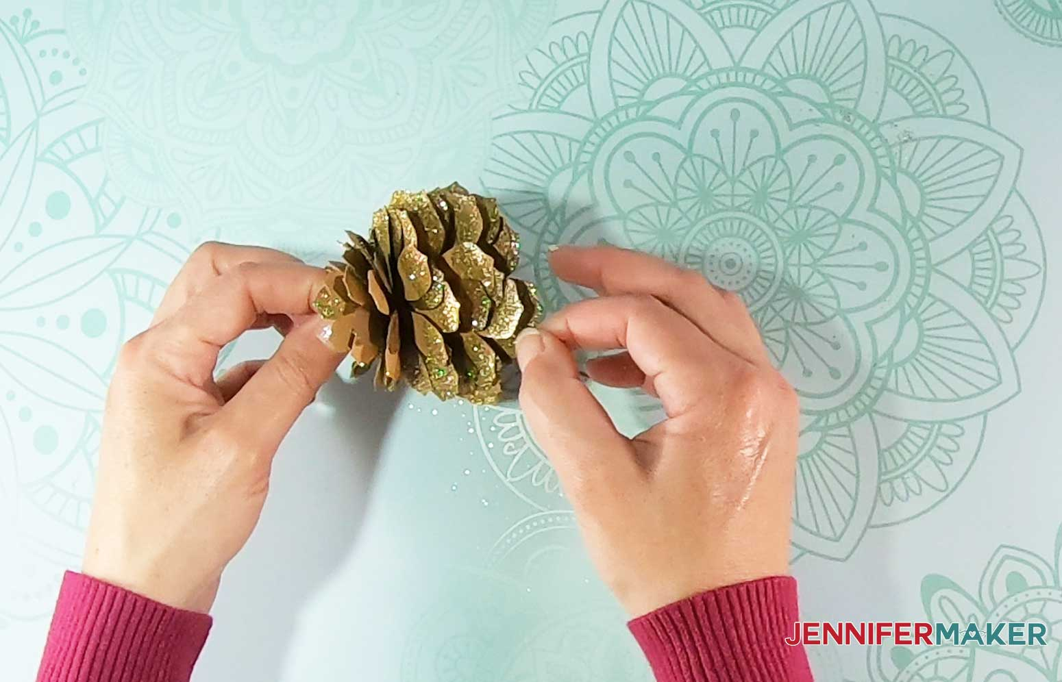 Shape paper pinecone