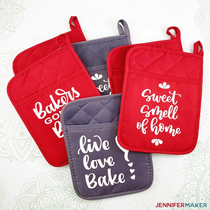 Personalized Pot Holders & Oven Mitts with Cute Decals and Split Monograms made with Iron On Vinyl on the Cricut #giftideas #cookiekit #cricut