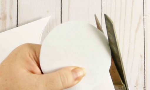 Cut out the paper you traced for the lid of your Mason Jar
