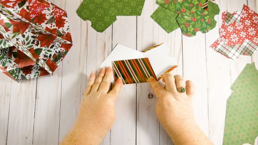 Fold up the boxes of each drawer for the Christmas Tree Advent Calendar