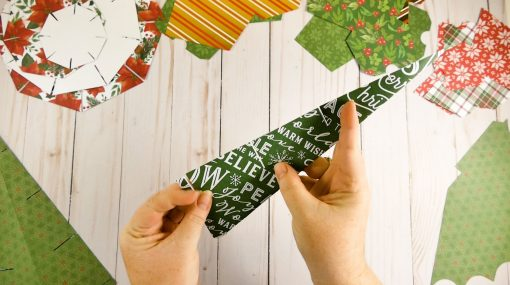 Fold the vertical supports of the Christmas Tree Advent Calendar